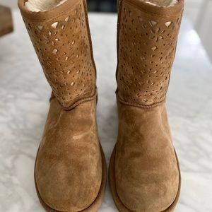 UGG Classic Short Perforated Flora Boots